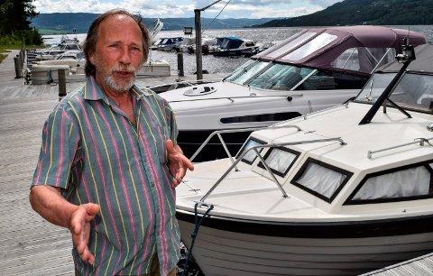 OPPMYKNING: Rune Selj ønsker en oppmykning i strandsona også langs de store innsjøene i Innlandet.