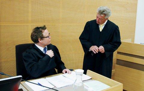 Aktor og forsvarer:  Statsadvokat Arvid Malde var aktor i saken, mens advokat Erik Lea forsvarte den tiltalte.