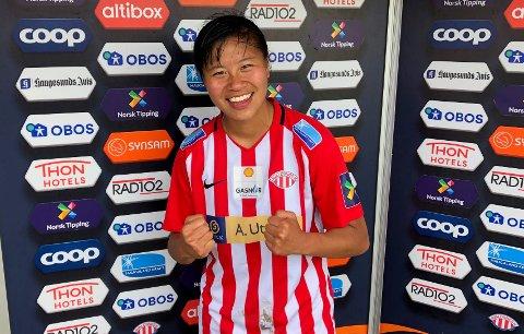 DAGENS HELT: 19 år gamle Ylinn Tennebø ble dagens helt på Avaldsnes da hun scoret kampens eneste mål i den viktige hjemmekampen mot Røa lørdag. Foto: JOAKIM ELLINGSEN