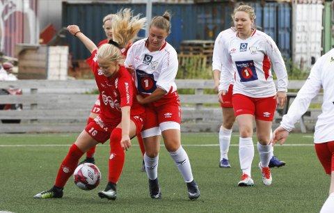 GODT LAG: Sara Elise Berg var Grands beste spiller, og scoret to av målene til bortelaget. Foto: Per Vikan