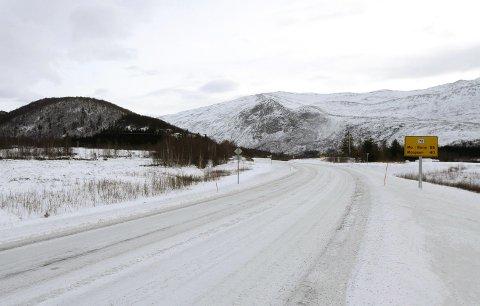 TILTAK: Statens vegvesen har fått 132 millioner kroner til en rekke strakstiltak på veinettet i Nord-Norge. Bildet er et illustrasjonsfoto fra Tovåsen i Leirfjord.