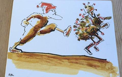 KORONA-JUL: - På denne tegningen ser du at nissen sparker ut koronaviruset, sier Knut Halvor Larsen. Den snart 79 år gamle utflytta vefsningen har sluttet å illustrere bøker, men jobber fortsatt med kunst.
