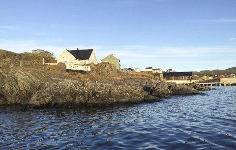 NY MOLO: Her ved innløpet til Mehamn havn skal den nye moloen til 65 millioner bygges.