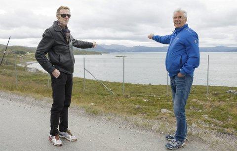 Lobbydugnad: Jarl Giæver og John Wahl oppfordrer til lobbydugnad for en ny lufthavn på Grøtnes.Foto:ingvild israelsen