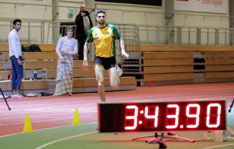 UNDER EM-KRAVET: Jacob Boutera inn til en meget sterk 1500-metertid i sin debut i Ull/Kisa-drakta. Den gir etter alt å dømme start i inne-EM i Polen tidlig i mars.