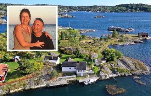 NYE EIERE: Sylvie Pimparé og Trond Svartdahl er stolte eiere av Sauøya 1. De har både bygge- og ryddeplaner for å ta vare på eiendommen.