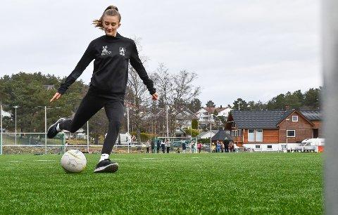Fotballtalentet Synne Eide Bjørnebøle fekk tilbod om fast plass på laget til Åsane Fotball etter å ha trent med dei i ein kort periode. Ho har aldri angra på at ho takka ja til det.