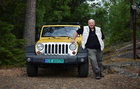 Per Halvor Sælebakke, som i dag er pensjonist, men tidligere ansatt ved Norsk bergverksmuseum, håper det blir noe av jeep-safari gruveåsen. Derfor inviterte han Laagendalsposten med på en safaritur.