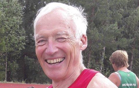 TRE VM-GULL: Knut Henrik Skramstad kunne glise bredt.