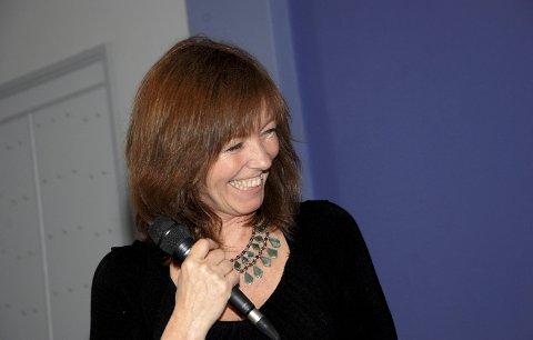 SMIL OG SANG: Anita Skorgan er en artist som gir av seg selv uten å virke påtatt. Her er Anita i Lierskogen kulturkirke i 2013. Torsdag 11. april holder hun konsert i Frogner kirke.