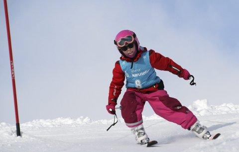 Debut: Amelia Karlsen (7år) kjørte renn for første gang. Alle foto: Trond Schultz
