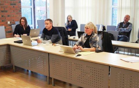 Kent Åge Johansen (Frp) fremmet et forslag i tirsdagens driftsutvalg om å si nei til rådmannens forslag om å kjøpe ny brannbil til Stamsund. Forslaget til partiet falt, og fikk kun støtte fra forslagsstiller.