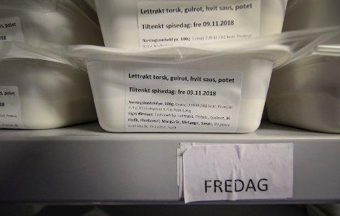 NY MATORDNING: I stedet for varmmat vil hjemmeboende i gamle Rygge få tilkjørt slike pakninger med middager som kan varmes i microbølgeovn.