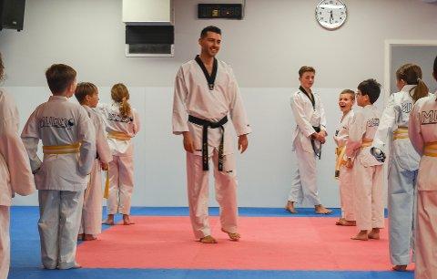 Taekwondo. Juniorgruppa, de mellom åtte og 12 år.