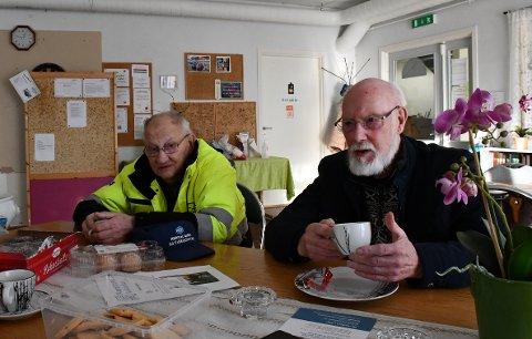 VANSKELIG Å HENGE MED: Alf Bårdsen og Gunnar Lothe forteller at det ikke alltid er så lett å henge med når man ikke kan møte opp personlig og det meste har blitt digitalt.