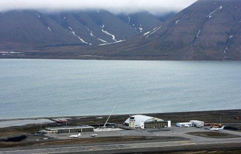 VARMT: Her, på Svalbard Lufthavn, ble det satt ny temperaturrekord i dag.