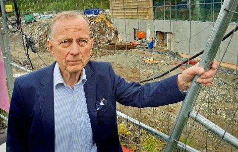 REAGERER STERKT: Leder av kontrollutvalget i Tromsø kommune, Rolleiv Lind (H), betegner rutinebrudd ved attestering av fakturaer  som svært graverende. Saken skal nå behandles av kommunestyret.