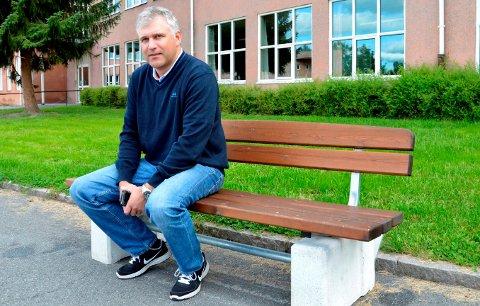 PÅ ALVOR: - Det viktigste for skolen i Søndre Land framover blir å få redusert andelen elever som opplever mobbing, sier skolesjef Håvard Eriksen.