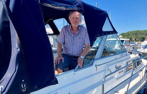 FORTVILER: Per Mjelva fikk ubudne gjester på besøk i båten sin. De bodde og festet i båten hans i flere døgn.