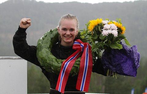 KNUST ALLE: Marte Marthinsen fra NMK Larvik vant både C-, B- og A-finalen og kan med rette kalle seg den beste bilcrossjenta i landet.
