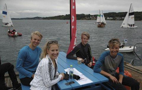 MER ACTION: Seilsportsligaen trapper opp synligheten i Indre havn denne helgen. Bildet er fra da Marit Maarnes, Iver Sten Gustavsen, Tobias Kjærhalden og Lars Pettersen fra Bodø Seilforening var på plass siste helg.
