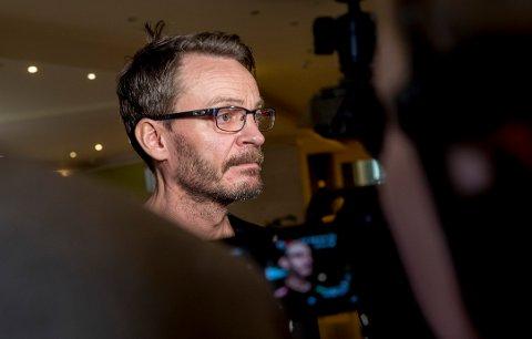 MÅTTE SVARE: Christian Berge måtte svare på hvorvidt herrelandslaget har blitt påvirket av Nora Mørks kritikk det siste døgnet.    Foto: Vidar Ruud / NTB scanpix