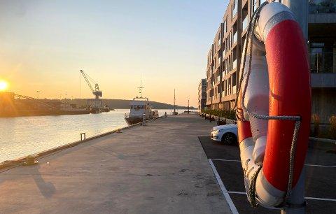 TØNSBERG: Ved Kanalen var livbøya på plass, men i løpet av sommeren er mange livbøyer blitt borte.