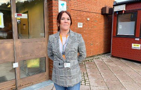 GODT BEMANNET: Legevaktsjef Tina Rusdal forteller at de hadde satt opp kveldsskift tre dager denne uka for få tatt unna testkøen. Men køen uteble.