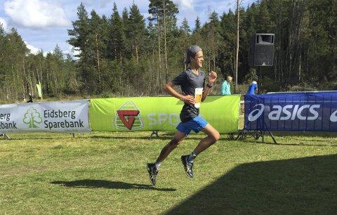 Klar seier: Even Storeheier vant 21-kilometerdistansen i Fjellaløpet helt overlegent. Allerede etter 3 kilometer rykket han fra de andre.Foto: Stine Gjerløw