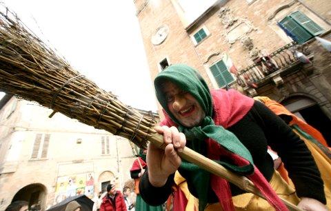 Fra en «La Befana»-festival Italia.