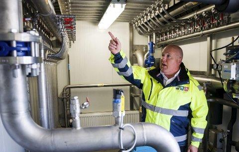 I disse rørene skilles metangass og CO2, slik at man får ut metangass med en renhet på 97-98 prosent. Anlegget til HRA er det eneste i Norge som bruker membranteknologi til dette, opplyser Kjell Olav Kolrud.