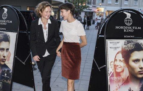 På rød løper: Sara Johnsen har regien og Ruby Dagnall har hovedrollen i filmen Rosemari.