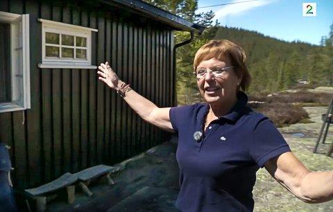 KOMMER TILBAKE: God morgen, Norge-kokk Wenche Andersen kaller hytta i Tuddal sitt andre hjem. Men respekterer hytteforbudet og gleder seg til å komme dit igjen. (Screenshot: TV2)