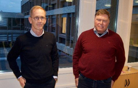 INFO: Daglig leder i Orica, Svein Hegna og HMS-leder Johan Røneid orienterte i kommunestyret i Røyken.