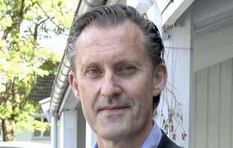 SAMLER INN: Håvard Vestgren fra Røyken og det nye Høyre i nye Asker søker innspill fra befolkningen med tanke på nytt partiprogram.