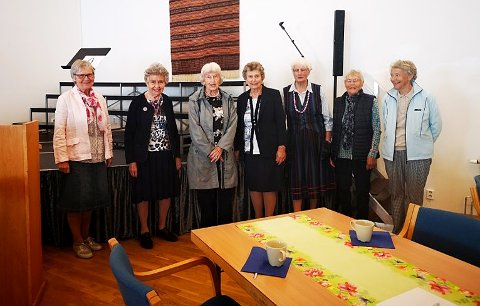 DE SISTE MEDLEMMENE: Galleberg Misjonsforening går nå inn i historien etter å ha eksistert i 150 år. Fra venstre Hanne Marie Ruud, Ingri Skjørdal, Ingrid Auen, Magnhild Storlie, Anne Marie Frydenberg, Else Landa, Vesla Ryggetangen.
