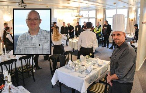 UTDANNINGSTILBUD TIL VURDERING: Restaurant- og matfag ved Sandefjord videregående skole er til vurdering hos fylkeskommunen. Fylkesrådmannen jobber med en dimensjoneringsplan for utdanning. I klartekst er det snakk om prioritering av penger. - Vi vet av erfaring at elever velger bort fag som ikke finnes ved nærskolene, sier Terje Tidemann, daglig leder i Opplæringskontoret for restaurant- og matfag i Vestfold og Buskerud (lille bildet) Terje Nalum Pedersen (i front på det store bildet). Han var faglærer på restaurant- og matfag da bildet ble tatt i 2018. ARKIVFOTO: Paal Even Nygaard/OKRM