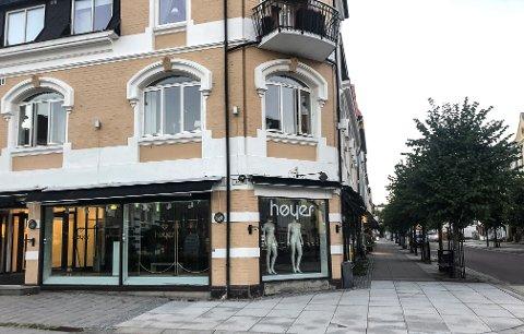 STÅR TOMT: Inntil videre er det glissent i lokalene i Jernbanealleen. Snart kommer Høyer tilbake med ny butikk.