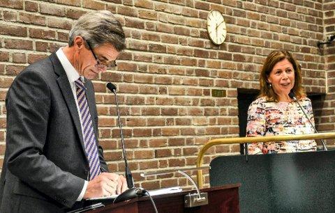 POLITISK STYRING: I oktober 2015 var Karin Virik (V) og ordfører Bjørn Ole Gleditsch (H) enige om «Sandefjordmodellen». I september 2016 brøt Virik enigheten, og stemte imot opprettelsen av lønns- og ansettelsesutvalget (LAU).