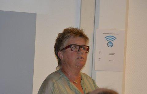 Ubehagelig: Marta Daltveit Lindås er lærer på Spydeberg ungdomsskole. Hun føler seg mistenkeliggjort av politikere i kommunen.