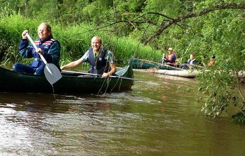 Testet elva: I 2013 gjennomførte blant annet ordøførerne i Eidsberg og Trøgstad en padletur i Hæra. Da ble det klart at elva må ryddes for trær.