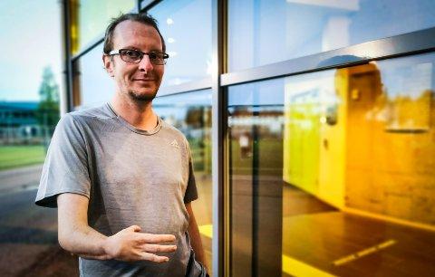 GI TILBAKE: Magnus Rognlien vet hvor kjedelig det kan være å ligge på sykehus. Han ønsker å gjøre tiden på sykehus bedre for barn.