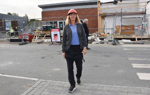 Bygger om:– Når de nye lokalene til Vinmonopolet er ferdig har vi utvidet fra 400 kvadratmeter til 505 inkludert lager, spiserom kontor og salgsarealer, opplyser butikksjef Line Schie Andersen ved Vinmonopolet i Askim.