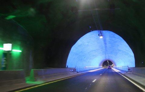 FILMET KJØRINGEN: 19-åringen filmet mens han kjørte i 230 kilometer i timen i Ryfylketunnelen.