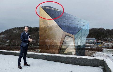 ÅPNER OPP: Takterrassen skal være åpen på alle sider, kun omgitt av grønne klatrevekster. Og R8 ønsker at dette utkikkspunktet over Porsgrunn også skal være åpent for publikum.