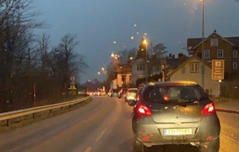 Det var lange køer mellom Porsgrunn og Skien, tirsdag morgen.