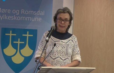 Kristin Sørheim (Sp) er godt fornøyd med at hurtigbåtforbindelsen mellom Kristiansund og Trondheim foreslås videreført.