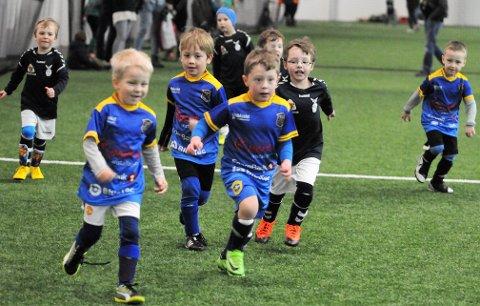 FOTBALL: Snart får vi se barna i aksjon på banen igjen. Bildet er fra Sølvcup i fjor.