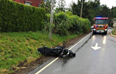 KOLLIDERTE: MC-føreren ble fraktet til sykehus etter ulykken.