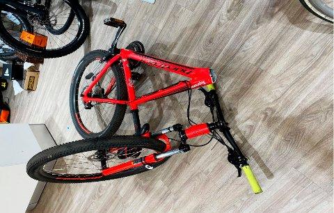 RAMMEBRUDD: Brav tilbakekaller Hard Rocx Mean Machine 27R sykler produsert i 2018, 2019 og 2020 etter at det er oppdaget fem tilfeller av rammebrudd som kan forårsake risiko for ulykker med personskade. Tilbakekallingen gjelder kun sykler med rammestørrelse 13,5, 15 og 16 tommer. Andre rammestørrelser og sykkelmodeller har en annen konstruksjon og tilbakekalles ikke. Foto: Brav / NTB
